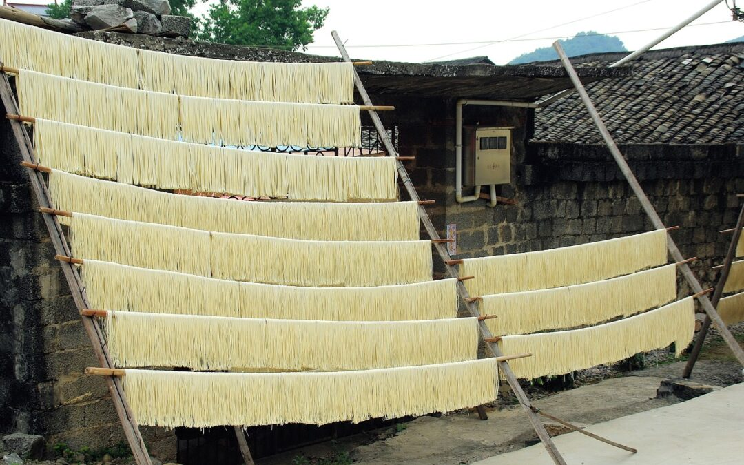 Espaguetis de arroz orientales