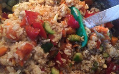 Arroz integral con verduras y salsa de soja