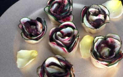 Rosas de calabacín y remolacha con tahini