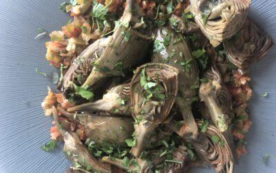 Alcachofas con verduritas pochadas